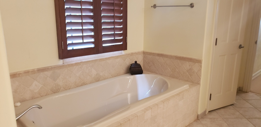 Second Guest Master Tub