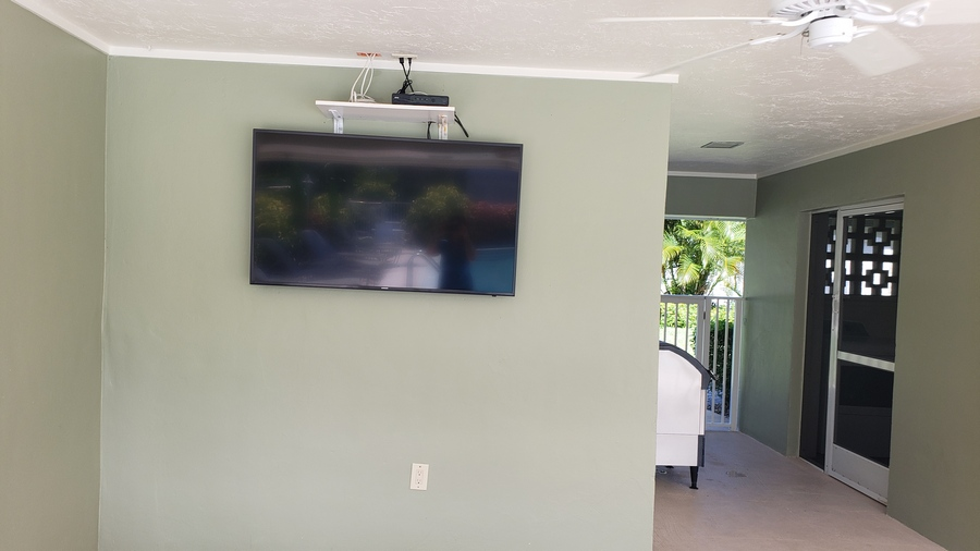 Pool Television